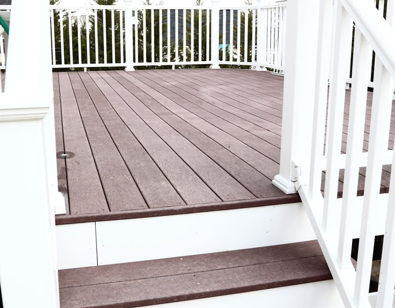 Do I need a no-slip deck? - Econo Decks - Decks and Fence Services Calgary