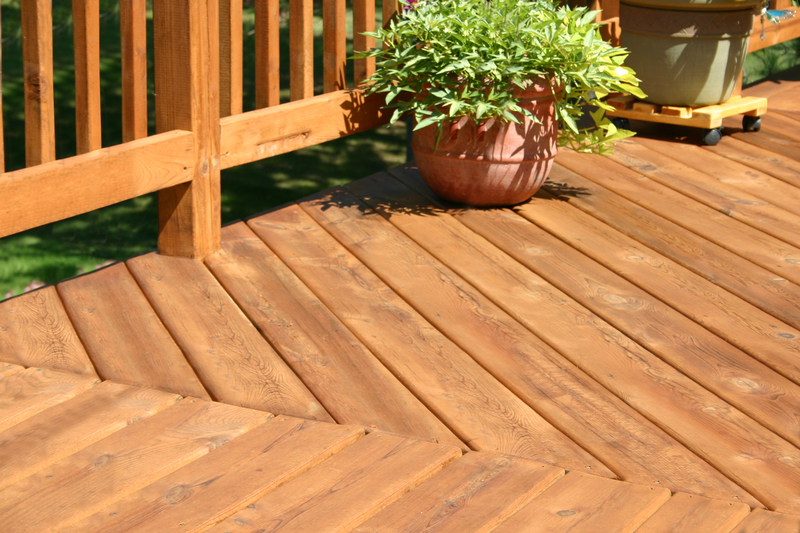 Planking Design Trends - Econo Decks - Decks and Fence Services Calgary