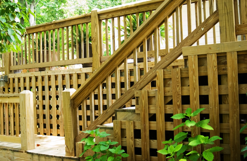 All About Deck Railings - Econo Decks - Decks and Fence Services - Featured Image